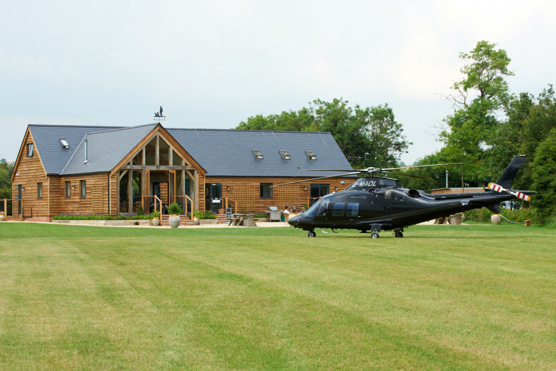 clubhouse w helicopter